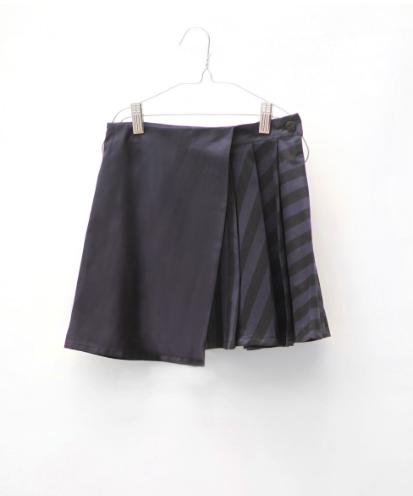 Motoreta Hayako Skirt Black-Blue Stripes